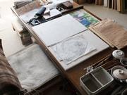 絵画教室で水墨画を描く